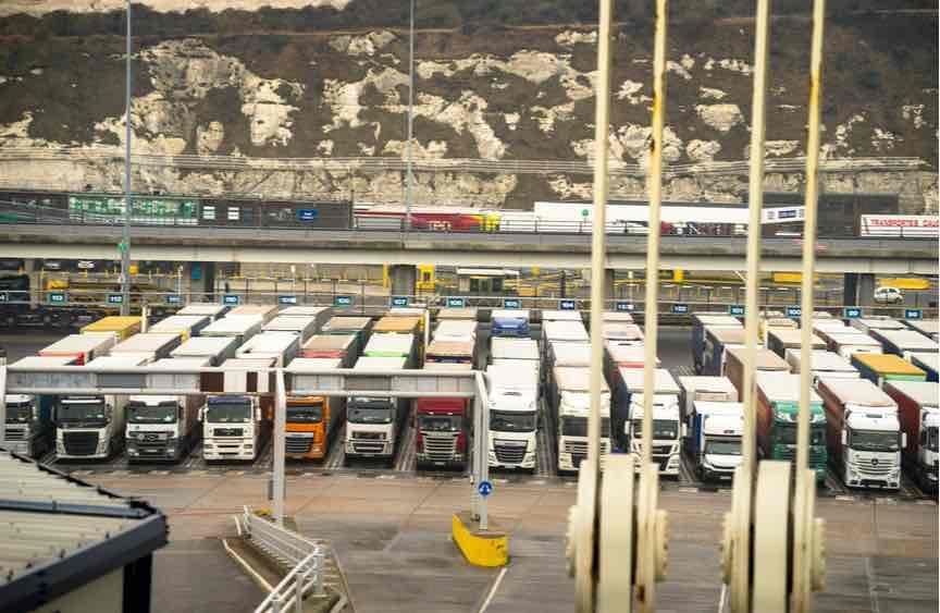 Queues at ports